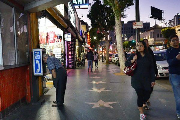 Hollywood Blvd Allo les étoiles