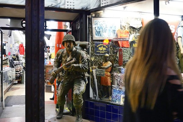 Hollywood Bvd Soldat vitrine